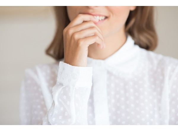 Sweet shirt with Claudine collar